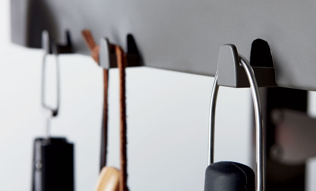 6 tool hooks are offered on all weber genesis ii e gas grills
