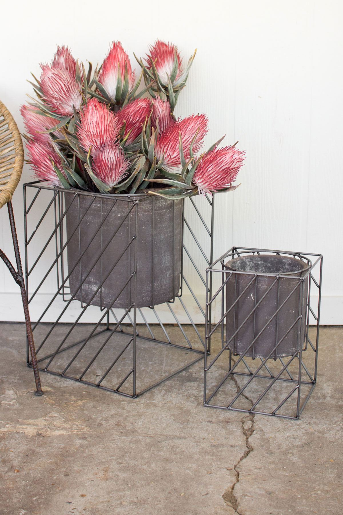 Kalalou Set Of Square Iron Stands With Grey Pots Leisure