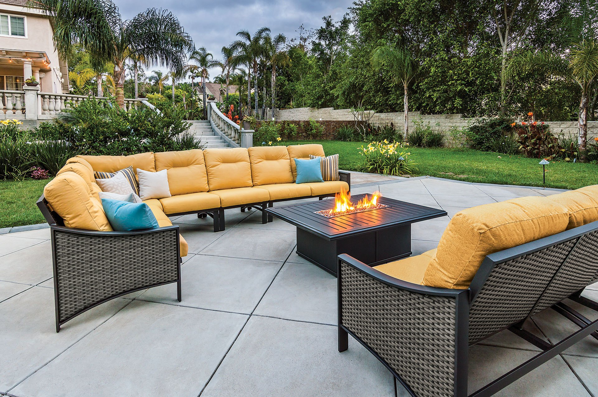 Tropitone Kenzo Woven 6 Piece Sectional Shown With A