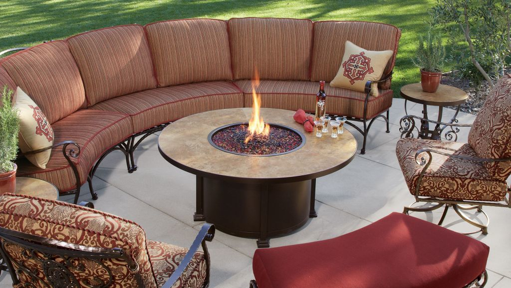 Ow lee casual fireside 54 round santorini chat fire pit for Alcohol fire pit